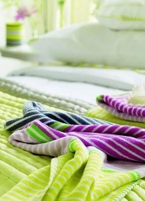 彩条毯 让居室变得活力新鲜