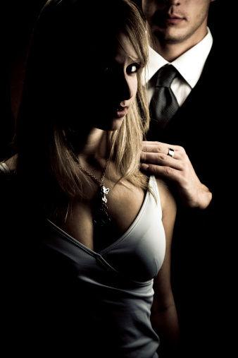 女人出轨5征兆:勤打扮爱发脾气