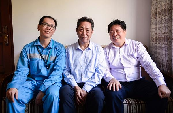 张华亭父子三人的厦航情缘