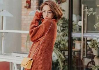 秋冬毛衣這樣穿,顯瘦又顯高