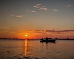 环东海域日出